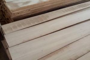 白杨木烘干刨光板材厂家最新报价