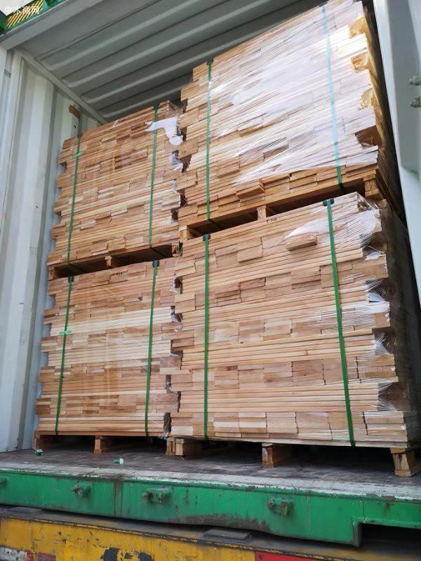 桃花心木地板料是三升木业品牌中一种非常好的地板料