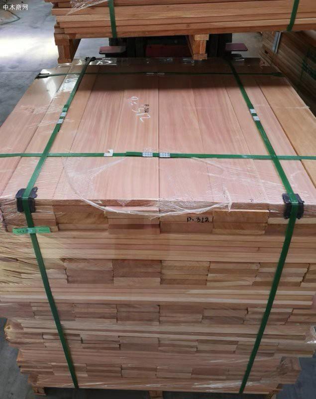 桃花心木属于硬木。硬木一般都具有很强的耐腐性