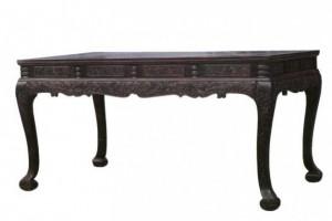 """马未都讲""""天下第一宽""""的紫檀雕螭龙纹大画桌到底是怎么样的?"""