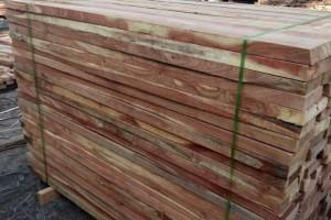 一手货源 白杨木 榆木 苦楝木等实木烘干板材 量大从优