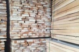 河南白杨木烘干板材厂家最新价格