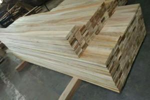厂家批发_白柳桉木木板材_防腐木加工