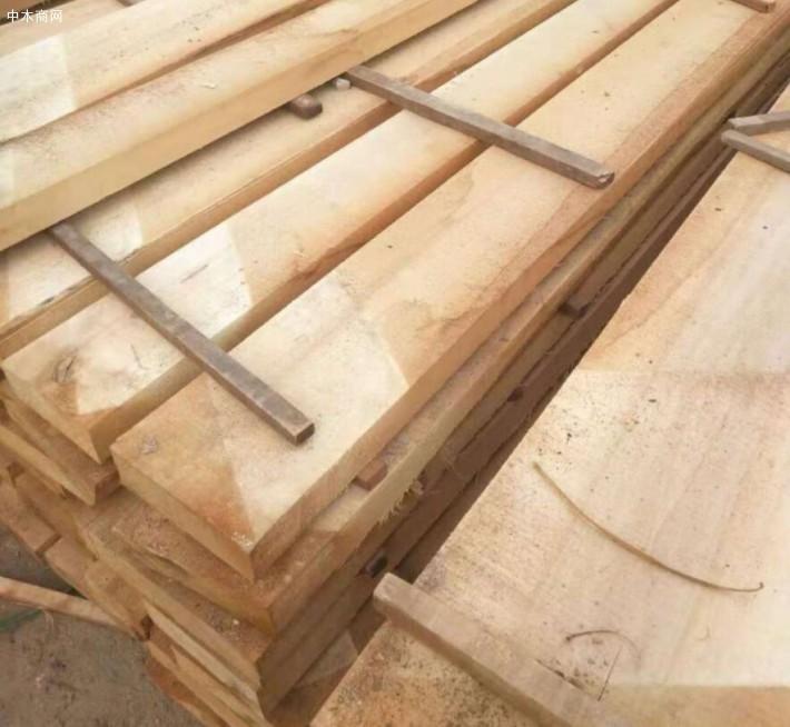 宜昌广兴木业专业生产白杨木板材品牌厂家