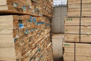建筑工地辐射松木方 江苏木材加工厂