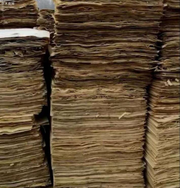 新鲜出炉杨木三拼次面板大量销售