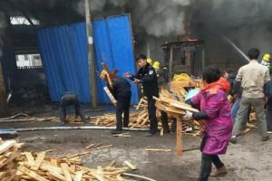 江西乐安增田镇恒达木板厂发生火灾