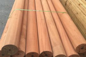 柳桉木圆柱实木原木柱子防腐木原木柱子