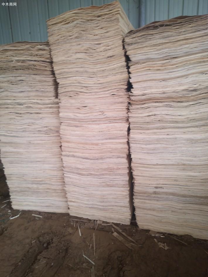 杨木单板和杨木皮子只是叫发不同,单板一般厚点