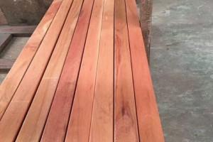 马来西亚柳桉木圆柱供应商 上海柳桉木防腐木古建木条方工程