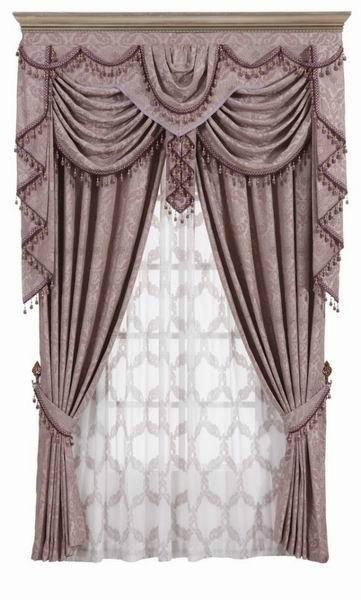 窗帘厚薄依据个人睡眠需要