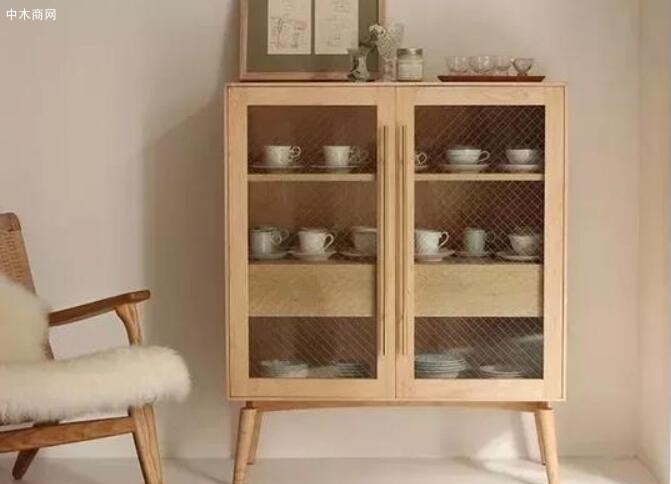 枫木家具都十分淡雅 图片来自度仓家具