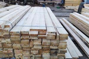 俄罗斯落叶松建筑工程木方视频