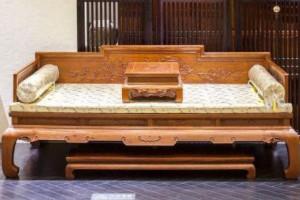 父子创业齐上阵,红木家具远销全国,产值达1000万