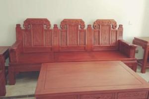 家具制造中异军突起的木头—香椿木家具