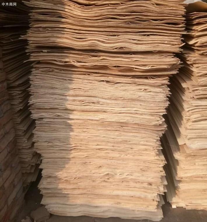 新鲜出炉丰县杨木三拼,杨木三拼板皮大量销售