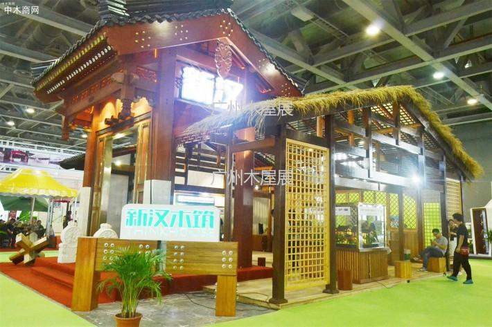 吸引了不少国内外的木屋、木材、木塑企业参展,