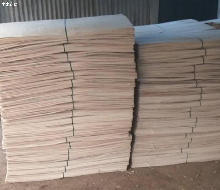 杨木三拼人造板板材做家具木材纹理通达