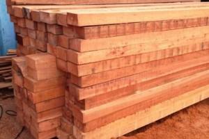 户外柳桉木木方价格,柳桉木加工厂家,柳桉木户外地板