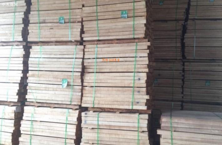 我国橡胶木产业锯材年消费量大约在600万立方米