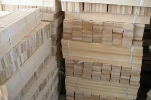 供应工程木方 龙骨条 沙发条 地板坯料