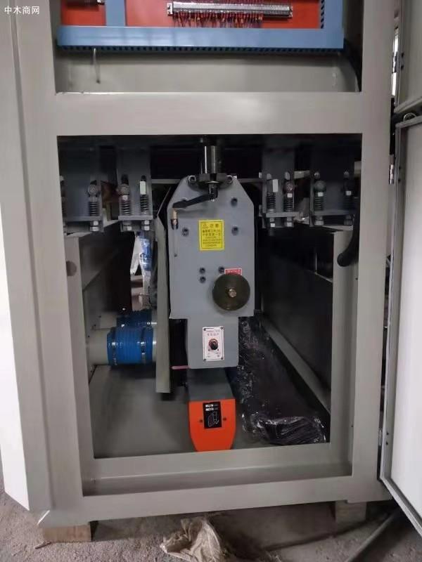 底砂砂光机送料采用变频调速
