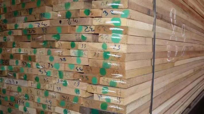 俄罗斯橡木板材做家具的缺点