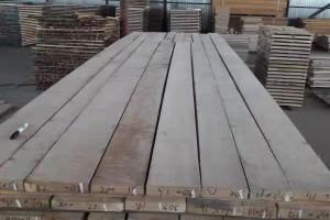 俄罗斯橡木板材高清图片