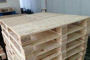 连云港多层板木托盘 木托盘 机械包装 钢带箱