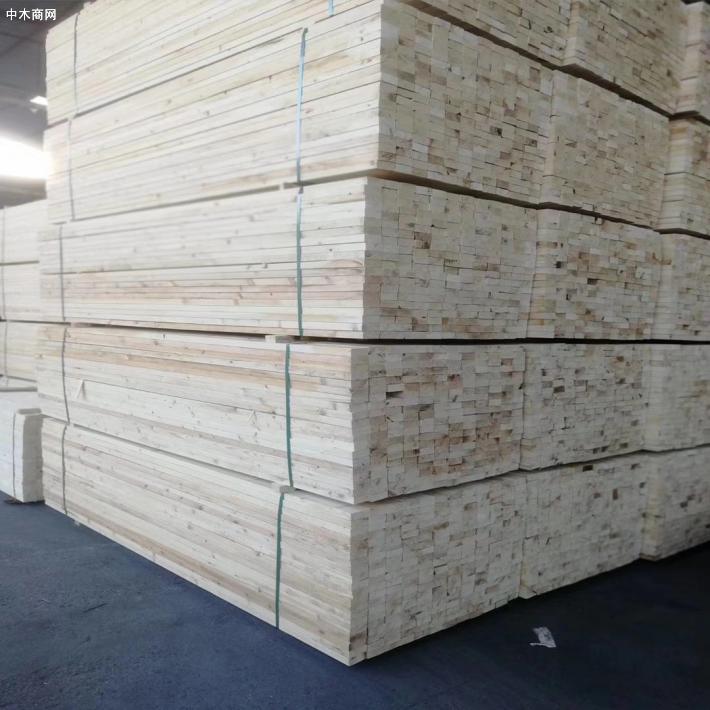 现在建筑工地用的是什么材质的木方?