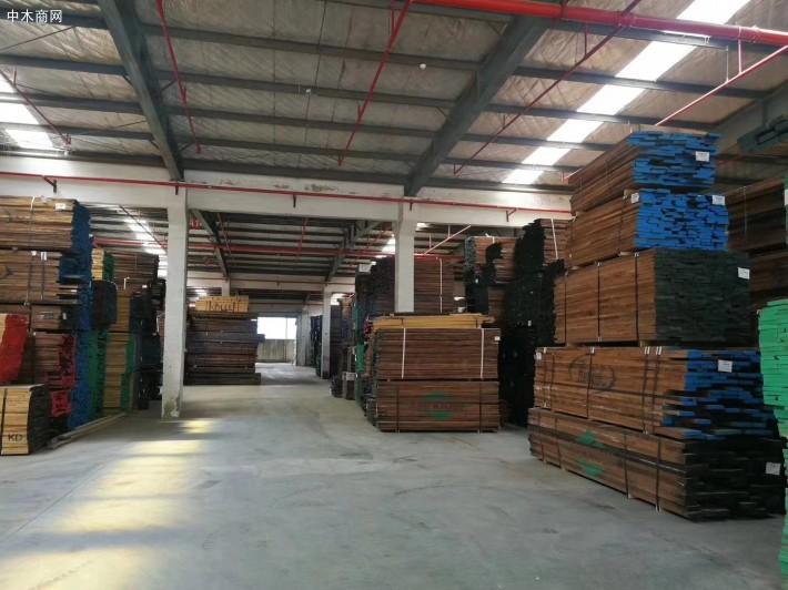 临沂市领导一行视察新旧动能转换木业展