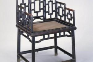 红木家具是上蜡好还是上漆的好?哪位清楚?