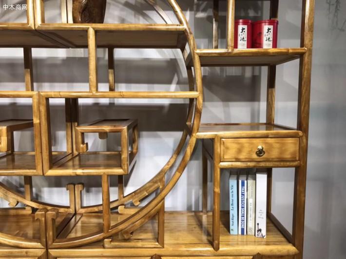 由于历史的原因,把金丝楠木家具称之为艺术品