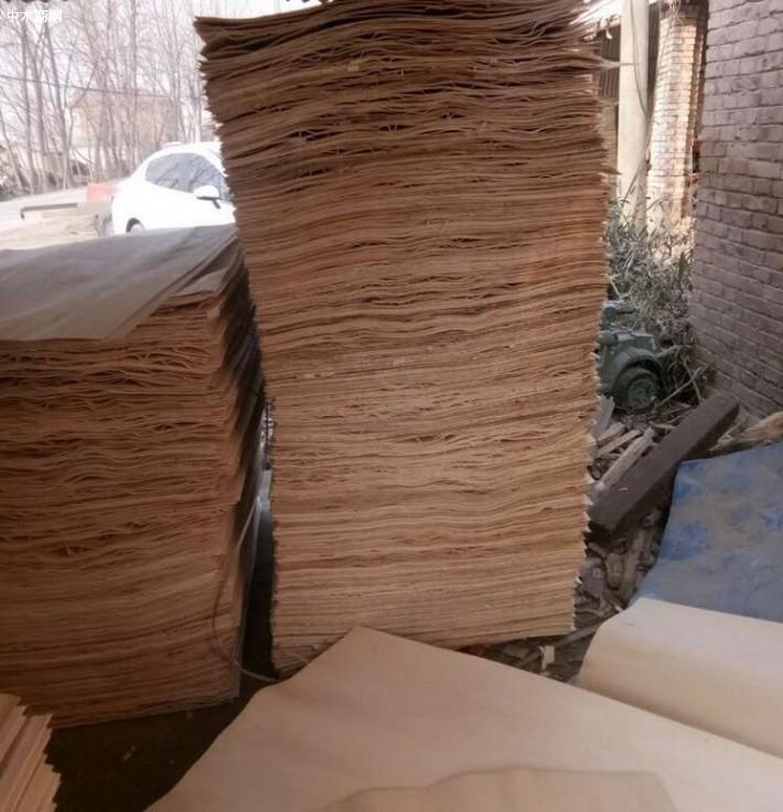 杨木三拼木皮板材做家具木材纹理通达
