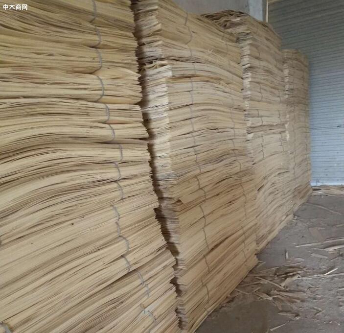 杨木三拼又称为杨木木皮,也称杨木三拼木皮