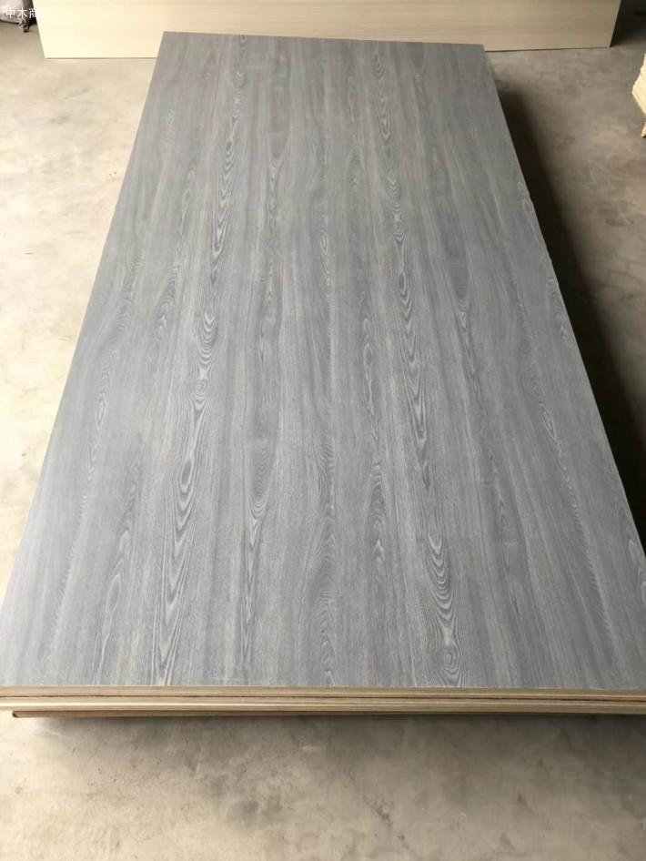 江苏佳诚木业有限公司是一家专业生产销售多层生态板,杨桉多层板,复合板,密度板等家具板材为主生产加工型品牌企业