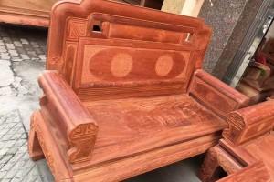 缅甸花梨沙发红木家具有什么好处吗?
