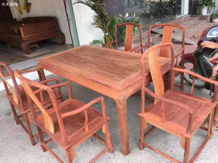 东阳积极打造木材交易中心