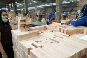 印尼橡胶木刨光规格料生产厂家