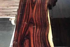 正宗印尼阔叶黄檀,印尼黑酸枝原木加工视频