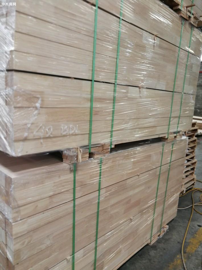 新鲜出炉印尼橡胶木刨光规格料厂家供应