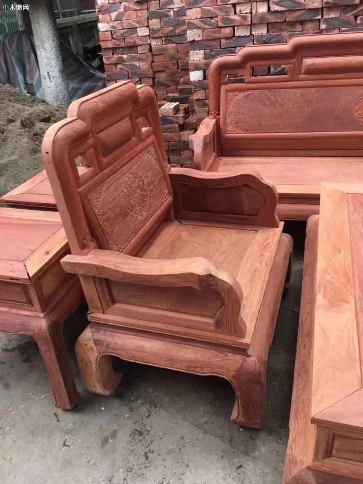 广西凭祥市浦寨龙之涵红木家具店专业生产红木家具十大品牌企业