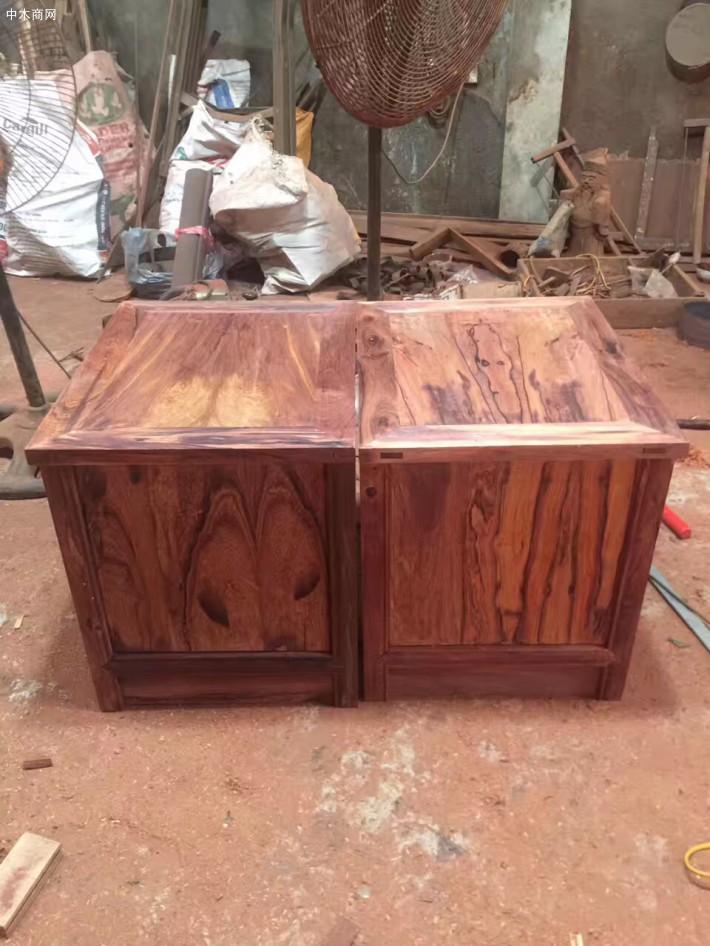 红木家具白酸枝大床带床头柜批发价格