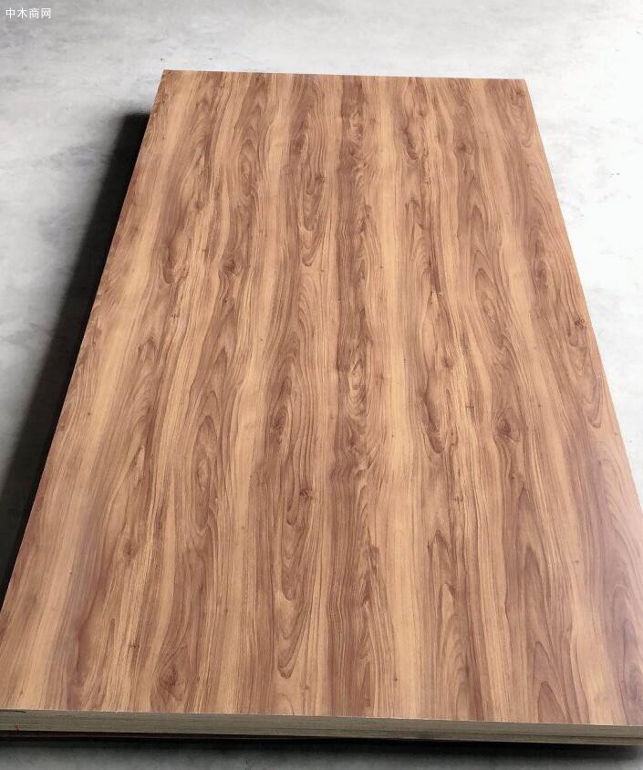 江苏佳诚木业有限公司是一家专业生产实木多层板十大品牌企业