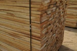 河南邓州一家木业公司环境污染停产整改