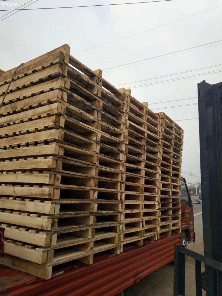 宜昌森缘木业集出口木托盘、木包装箱设计、生产销售为一体,设备先进,实力雄厚,