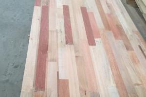 柳桉木指接板生产厂家