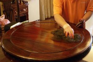什么是红木家具?用红木家具有哪些优点?红木家具如何正确打蜡?