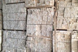 4月满洲里口岸进口木材60.7万立方米