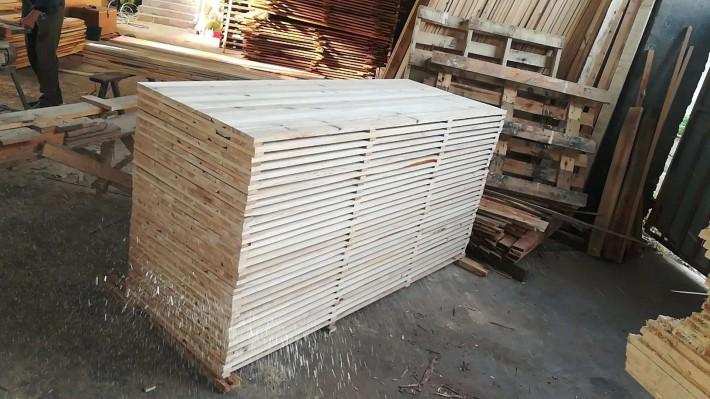 探沂镇重拳出击拆除板材/木业违建厂房
